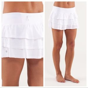 Lululemon 8 Run Nothing to Hide Mini Skirt White
